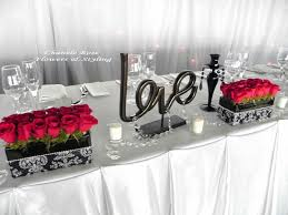 Black Table Centerpieces by Black And White Head Table Decor For The Wedding Reception Black