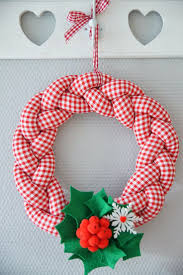 29 best wianki images on pinterest crafts crochet wreath and
