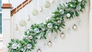 Christmas Garland Decorating Ideas by Simple Diy Christmas Garland Ideas Home Furniture