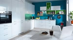 weisse hochglanz küche frontfarbe tapo weiss hochglanz lackiert küchenkollektion