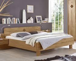 Schlafzimmer Kommode In Erle Schlafzimmer In Erle Natur Teilmassiv Mit Komfortbett Aliano