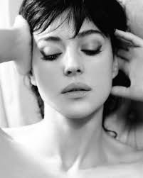 italian domme in hair curlers monica bellucci all things monica bellucci pinterest monica