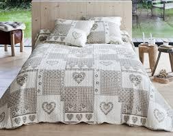 jeté de canapé maison du monde maison du monde couvre lit taupe vente sortes chambres tete fourrure