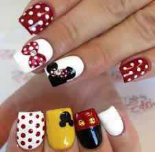 mickey mouse and minnie mouse nail art minnie nails onfleek