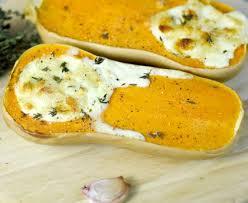 cuisiner la butternut courge butternut farcie au chèvre thym et ail recette de courge