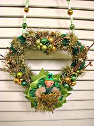 dime store chic st patrick u0027s day wreath garland