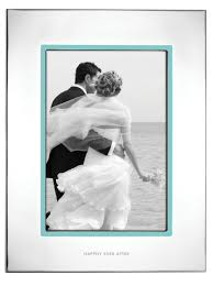 wedding gift photo frame 11 best wedding gifts 2017 unique groom wedding gift ideas