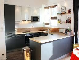 modele de cuisine ouverte sur salon modele cuisine ouverte univers cuisine noir laque plan de travail