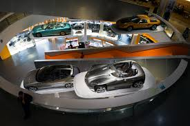 File Mercedes Benz Museum Interior 2 2013 March Jpg Wikimedia Commons