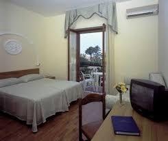 Hotel La Pergola by Azienda Autonoma Di Soggiorno E Turismo Di Sorrento Sant U0027agnello