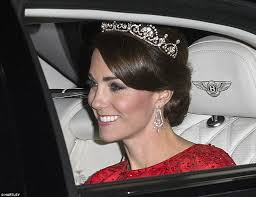 buckingham earrings duchess arrives at buckingham palace for state banquet with xi