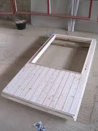 fabriquer porte de grange raliser une porte en bois pour fabriquer cette porte coulissante