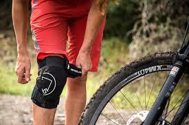 mtb softshell jacket singletrack knee protector endura