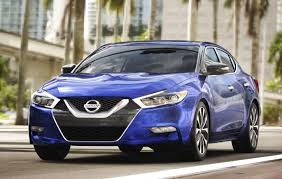 new nissan maxima new nissan maxima earns 2017 kelley blue book best resale value award