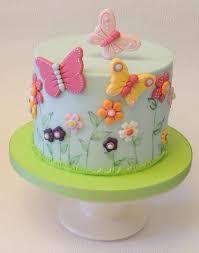 butterfly cake simple flowers butterflies by shereen cakes cake decorating