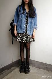20 style tips on how to wear oversized denim jackets gurl com
