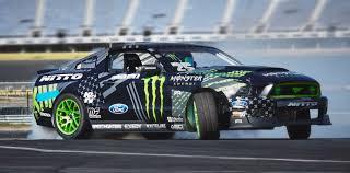 nissan pickup drift just drifting a japanese import roaring on american race tracks