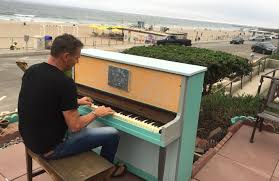 the story behind that piano on the manhattan beach strand