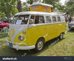 volkswagen minibus side view waupaca wi august 25 side view stock photo 112097756 shutterstock