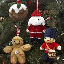 tree decorations to knit holliday decorations