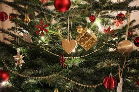 how to hang lights on a christmas tree need help hanging holiday lights reefs or decorations around denver