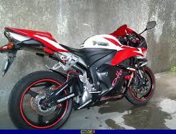 2010 cbr 600 sportbike rider picture website