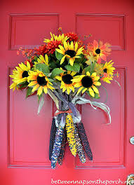fall door decorations a fall door arrangement you can make in 5 minutes or less