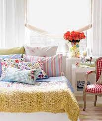 Decorating A Small Bedroom Colorful Small Bedroom Decorating Ideas