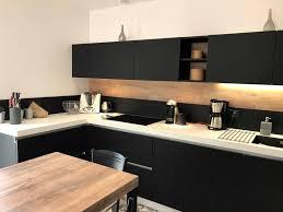 cuisine en noir modele cuisine noir et blanc cuisine quipe noir modele