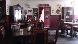 baker street dining table criminal tea room and pub on baker street saarbrücken travel