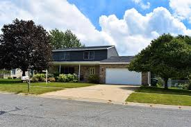Tinder For Real Estate 1055 Tinder Box Court Valparaiso In 46383 Mls 420292