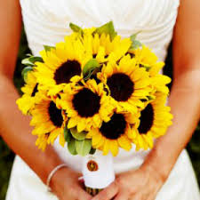 sunflower wedding bouquet top 10 wedding flowers that bloom in fall