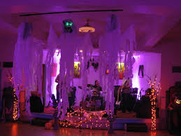 Haunted House Halloween Party by Halloween Party Decoration Ideas Haunted House Halloween Party