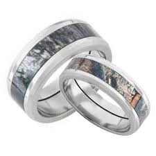 Camo Wedding Ring Sets by Camo Rings On Pinterest Camo Wedding Rings Camo Wedding And Camo