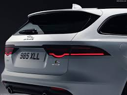 jaguar xf pictures posters news and videos on your pursuit