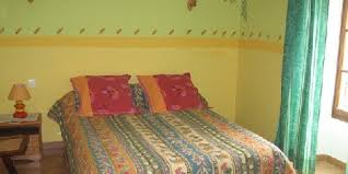 charmance chambre d hotes chambres d hôtes charmance one bed and breakfast in vaucluse in