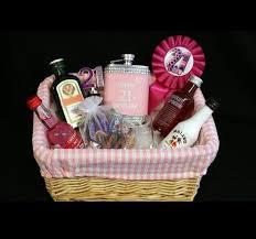 Birthday Gift Basket Best 25 21st Birthday Basket For Girls Ideas On Pinterest