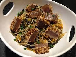 cuisiner thon thon mi cuit et nouilles sautées aux légumes et wakamé papa en cuisine