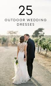 Outdoor Wedding Dresses Přes 25 Nejlepších Nápadů Na Téma Outdoor Wedding Dress Na Pinterestu