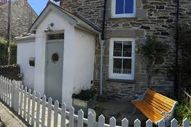 beautiful cottage by the sea houses for rent in gerrans