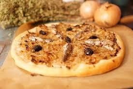 pizza hervé cuisine recette de la pissaladiere hervecuisine com