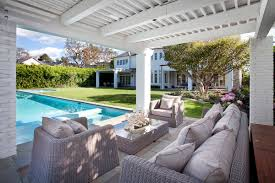Homes For Sale Brentwood Ca by Lebron James House Brentwood Ca The Back Of The House Lounge