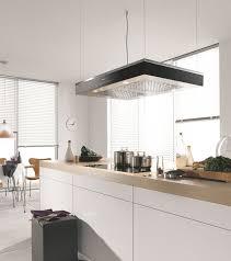 hotte cuisine ouverte une hotte de cuisine design efficace et pratique côté maison