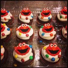elmo cupcakes best 25 elmo cupcakes ideas on cookie