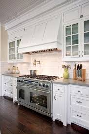 cape cod kitchen ideas cape cod kitchen 3 best 25 cape cod kitchen ideas on