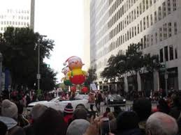 world s elves in houston thanksgiving day parade nov 28 2013