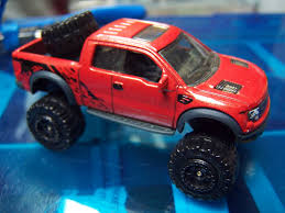 Ford Raptor Truck 2010 - diecastination look down on your prey with a ford f 150 svt
