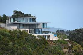 designs a home overlooking the bay on waiheke island new zealand