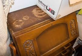 bureau chesterfield free furniture chesterfield chair bureau coffee table