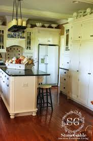 Farmhouse Cabinets For Kitchen 375 Best Farmhouse Kitchen Images On Pinterest Farmhouse